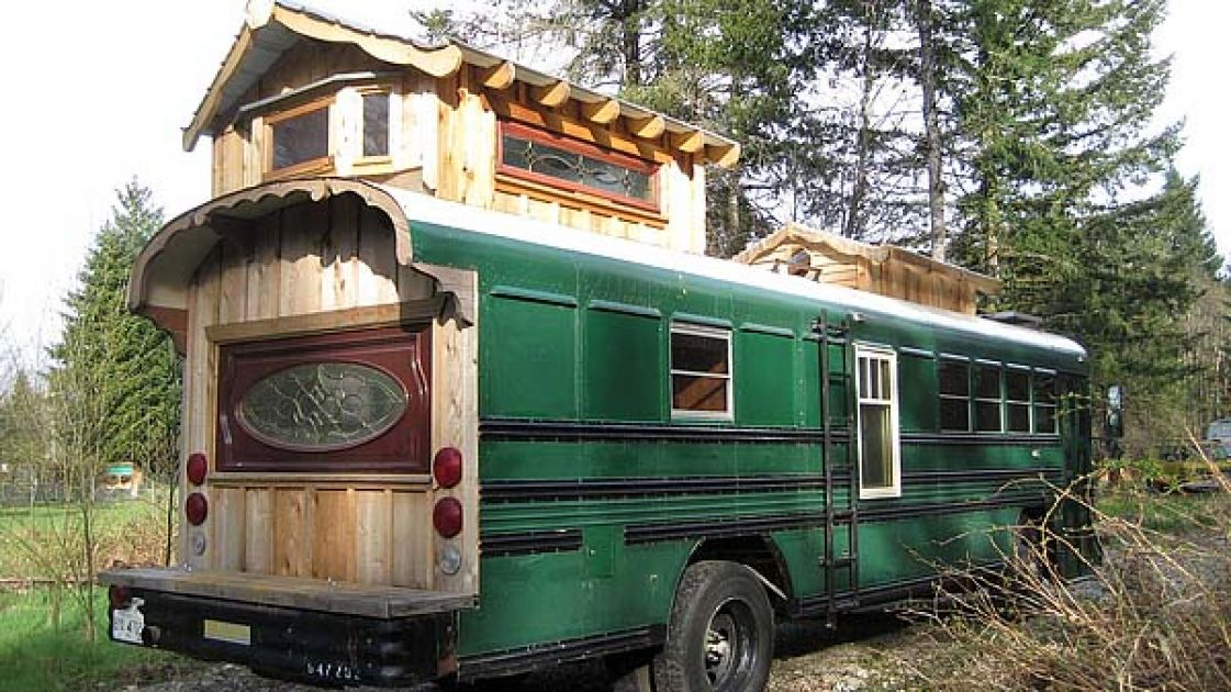 Tour This Gorgeous Green Bus With Its Stunning Loft And Roof